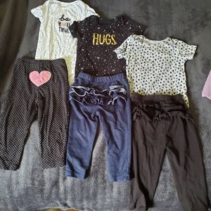 Bundle Carters Baby Girl Outfits Size 12 months